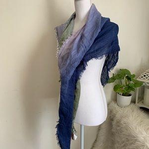 🌛AEO 🌛 triangle ombre scarf